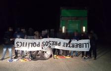 'Resistencia tabarnesa' retira esteladas y lazos amarillos en el Baix Camp i el Tarragonès