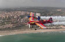 Los aviones de Repsol conquistan el cielo tarraconense delante de miles de espectadores