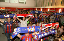 Aficionados del Huesca celebrando el ascenso a la máxima categoría estatal.