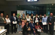 Representantes de las acciones ganadoras y de la organización, después de la ceremonia.