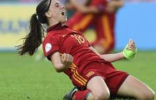 Eva Navarro celebrant un gol