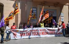 Imagen de la concentración que se celebró ayer delante de la CEPTA.
