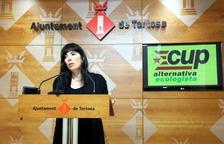 Núria Rodríguez, portaveu de la CUP Tortosa, a la sala de premsa de l'Ajuntament de Tortosa.