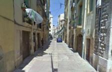 L'home va entrar a robar en un habitatge del carrer Trinquet Vell.