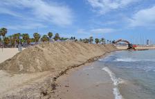 Salou recupera la playa Llarga y Llenguadets con arena de Ponent