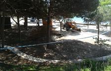 Aparece un agujero de grandes dimensiones en la playa Llarga de Salou