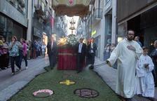 Les catifes de flors i la professó acomiaden el Corpus reusenc
