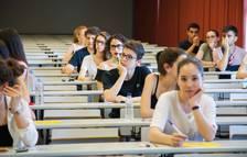 Los alumnos optan a entrar en la univeristat.
