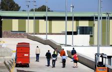 Un preso en tercer grado se querella contra Mas Enric por denegarle los permisos