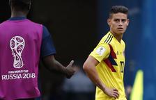 James Rodríguez es lamenta de la derrota.