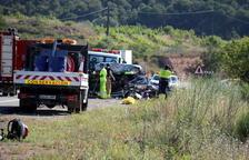 Accident mortal en xocar un cotxe i un camió a la Fatarella