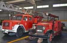 Imagen de los dos camiones que habían sido cedidos a los Bombers de la Generalitat y que han sido recuperados por el Ayuntamiento de Reus.