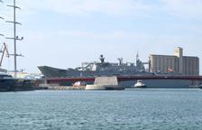 El portaavions espanyol Juan Carlos I ja 'domina' el Port de Tarragona
