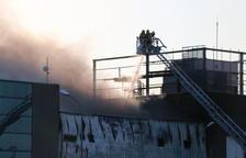 El grup Balfegó demana ajuda a les administracions públiques per reconstruir la nau cremada