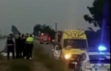 Dos morts després de caure el cotxe en què viatjaven al canal de la dreta de l'Ebre, a Amposta