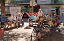 Un grupo de abuelos de Bonavista batallan para que no les retiren tres bancos