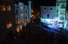 Más de un millar de personas asisten al Concert de les Espelmes de Riudecanyes