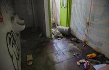 Uns nens troben un cadàver al complex abandonat del barri d'Icomar