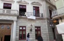 Captura del vídeo que Ciutadans ha hecho público con la acción en la plaza Mercadal.
