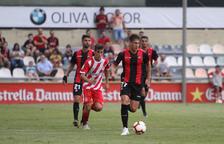 Alfred Planas en una jugada del partit pel Trofeu Ciutat de Reus de la setmana passada.