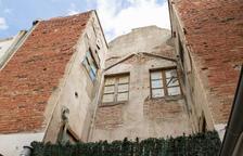 Imatge de l'estat de l'edifici abandonat.