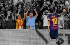 l'Eugeni Collado i la Mari Àngels Costa, celebrant el gol 6.000 de Messi amb el Barça sense utilitzar cap dispositiu.