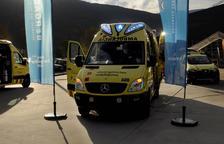 Las ambulancias de Tarragona cambiarán a las luces azules el próximo mes