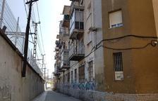 Vecinos del Serrallo viven atemorizados por una veintena de individuos problemáticos