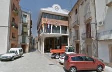Un concejal denuncia al alcalde de Ascó por agredirlo con un golpe de botella al final de un pleno