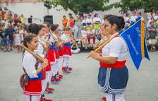Torredembarra exhibeix tradició amb la cercavila del Seguici Infantil