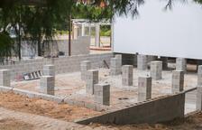 Empiezan a instalar los nuevos barracones del instituto Martí Franquès