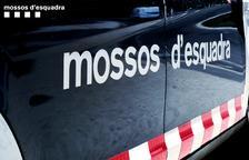 Muere un conductor al chocar contra un árbol en la N-340 en Mont-roig