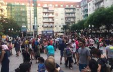 La plaça Verdaguer s'omple pel desè aniversari de les Tecletes