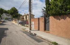 Vecinos de la Mora advierten del riesgo de electrocución por acumulación de agua
