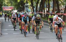 Imatge de la competició ciclista celebrada a la Rambla Nova de Tarragona.