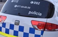 Un mosso fuera de servicio retiene un hombre después de agredir a su pareja en Torredembarra