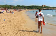 Tarragona mantiene las 43 banderas azules de sus playas