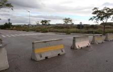 Instalan vallas de hormigón para acabar con los vertederos ilegales