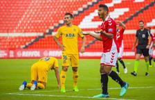 Luis Suárez se lamenta después de ver una de las amarillas.