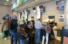El primer vuelo de la nueva conexión del Imserso se eleva hacia Ibiza