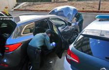 La Guardia Civil pudo detener a los presuntos ladrones e intervenir dinero y aparatos electrónicos, entre otros.