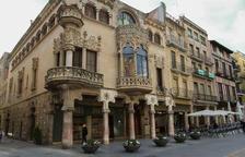 Gairebé la meitat dels que entren a conèixer l'edifici són catalans i un 34%, d'origen internacional.