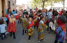 Vehicles clàssics, gegants i el Pintor Rock, actes previs a les festes de Sant Martí