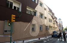 Aspecte que oferia ahir el mural que Megan pinta a la façana lateral de l'Institut Pons d'Icart.
