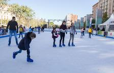 La plaza de la Llibertat de Reus tendrá de nuevo una pista de hielo por Navidad