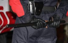 Los agentes detuvieron al adulto, acusado de un presunto delito de inducción a la prostitución de menores.
