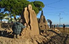 Comença la construcció del tradicional Pessebre de Sorra a la Pineda