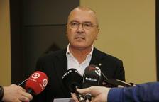 L'alcalde de Reus, Carles Pellicer, atenent als mitjans.
