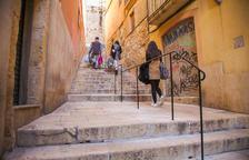 Les Escales d'En Arbós ja tenen la barana reivindicada pels veïns