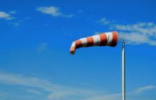 Els Bombers reben 15 avisos pel vent al territori